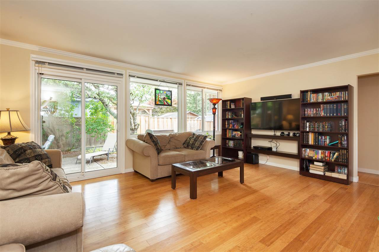 Detached at 1876 BEAULYNN PLACE, North Vancouver, British Columbia. Image 6