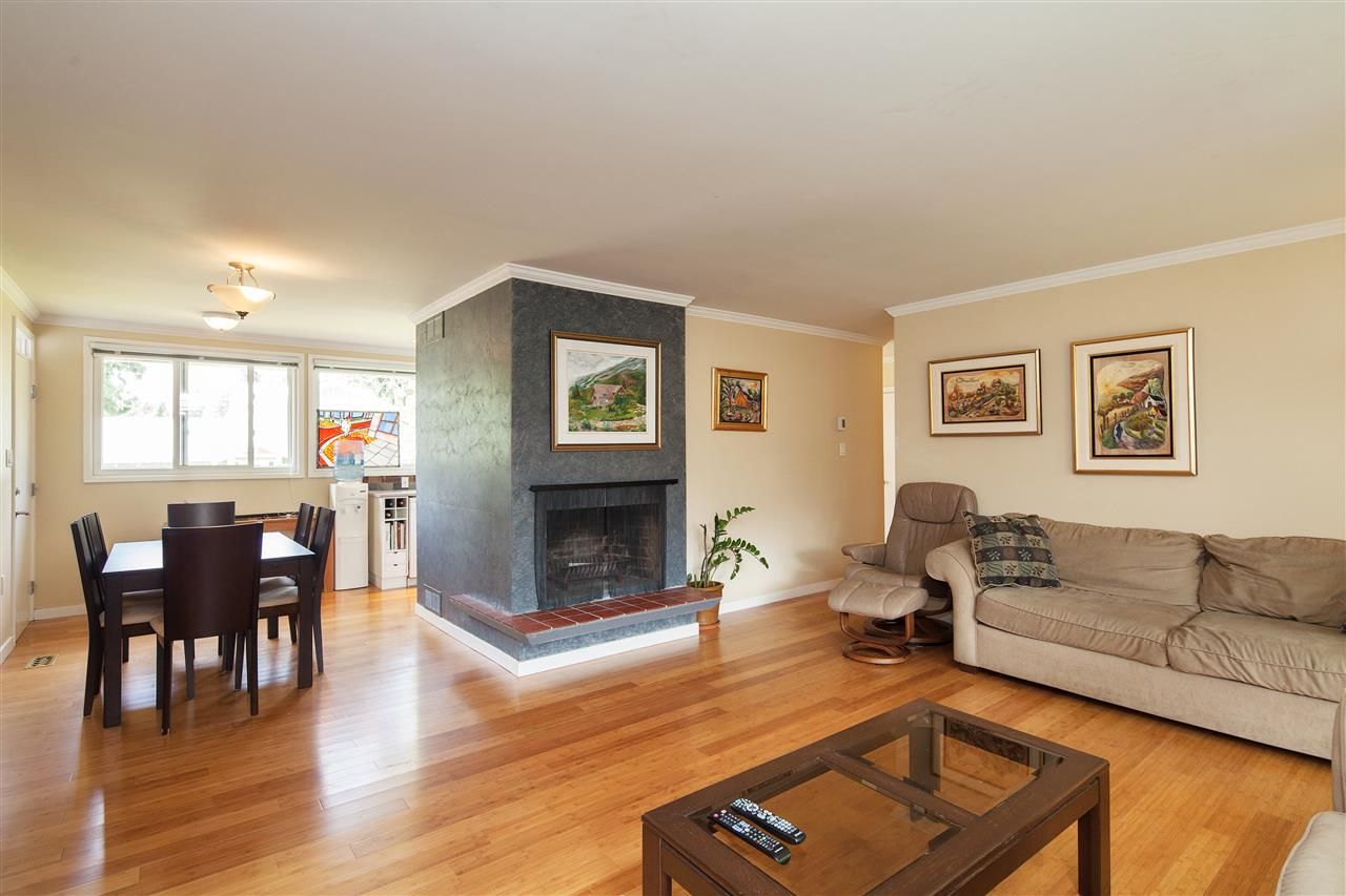 Detached at 1876 BEAULYNN PLACE, North Vancouver, British Columbia. Image 8