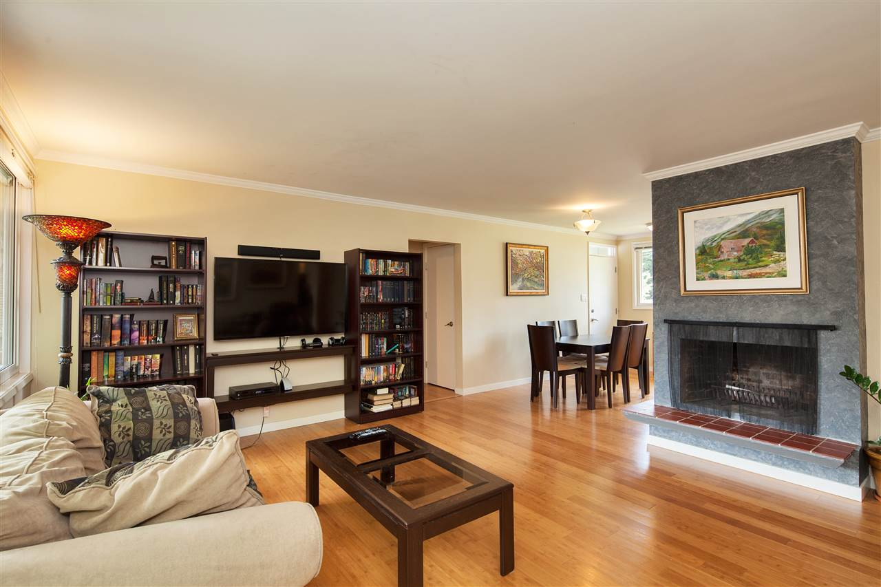 Detached at 1876 BEAULYNN PLACE, North Vancouver, British Columbia. Image 9