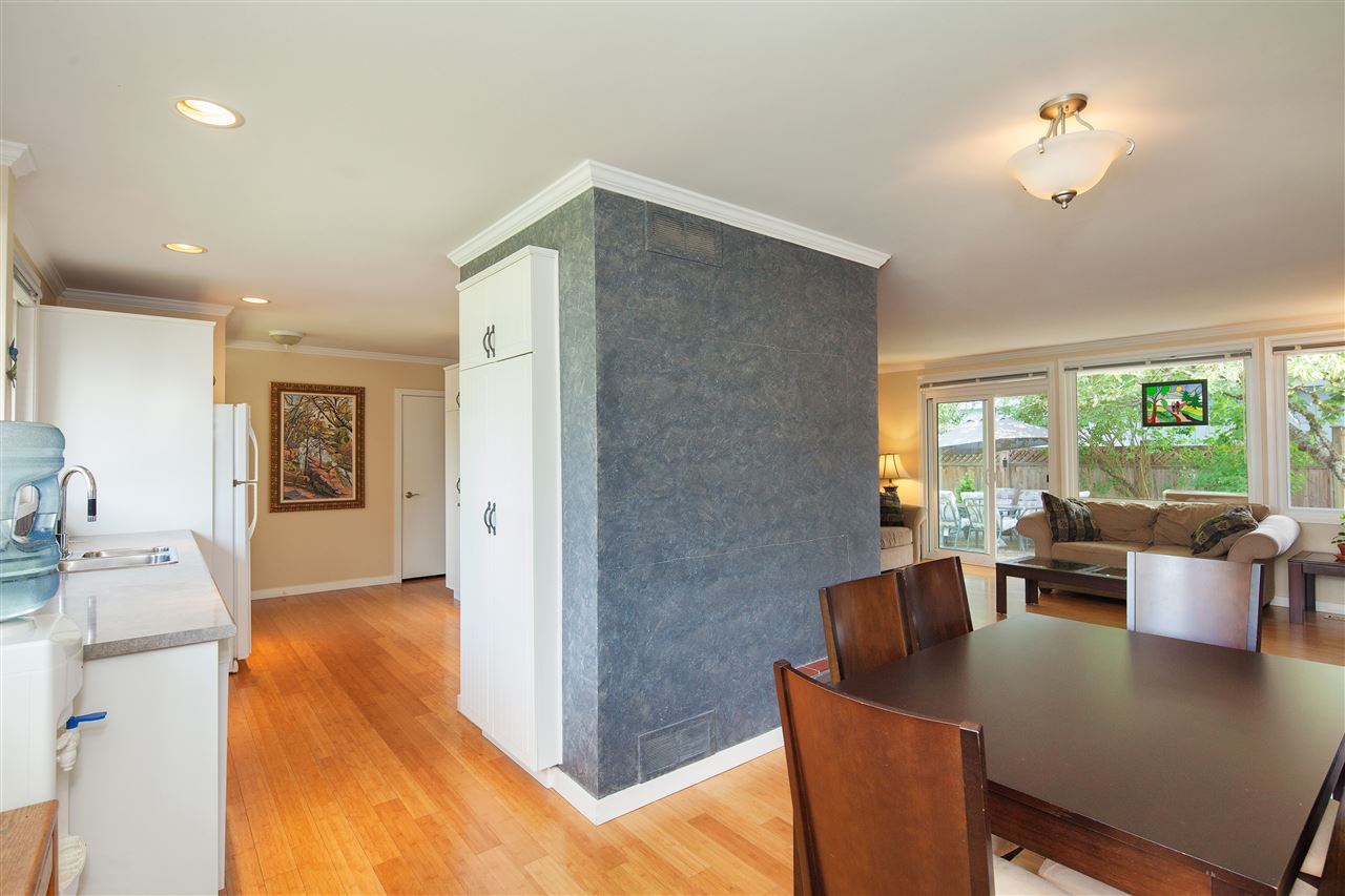 Detached at 1876 BEAULYNN PLACE, North Vancouver, British Columbia. Image 11