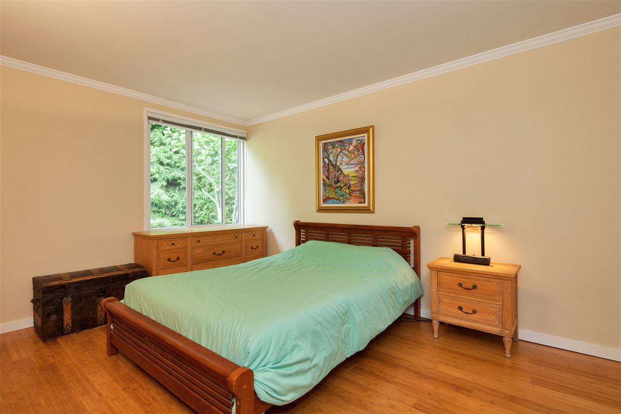 Detached at 1876 BEAULYNN PLACE, North Vancouver, British Columbia. Image 14