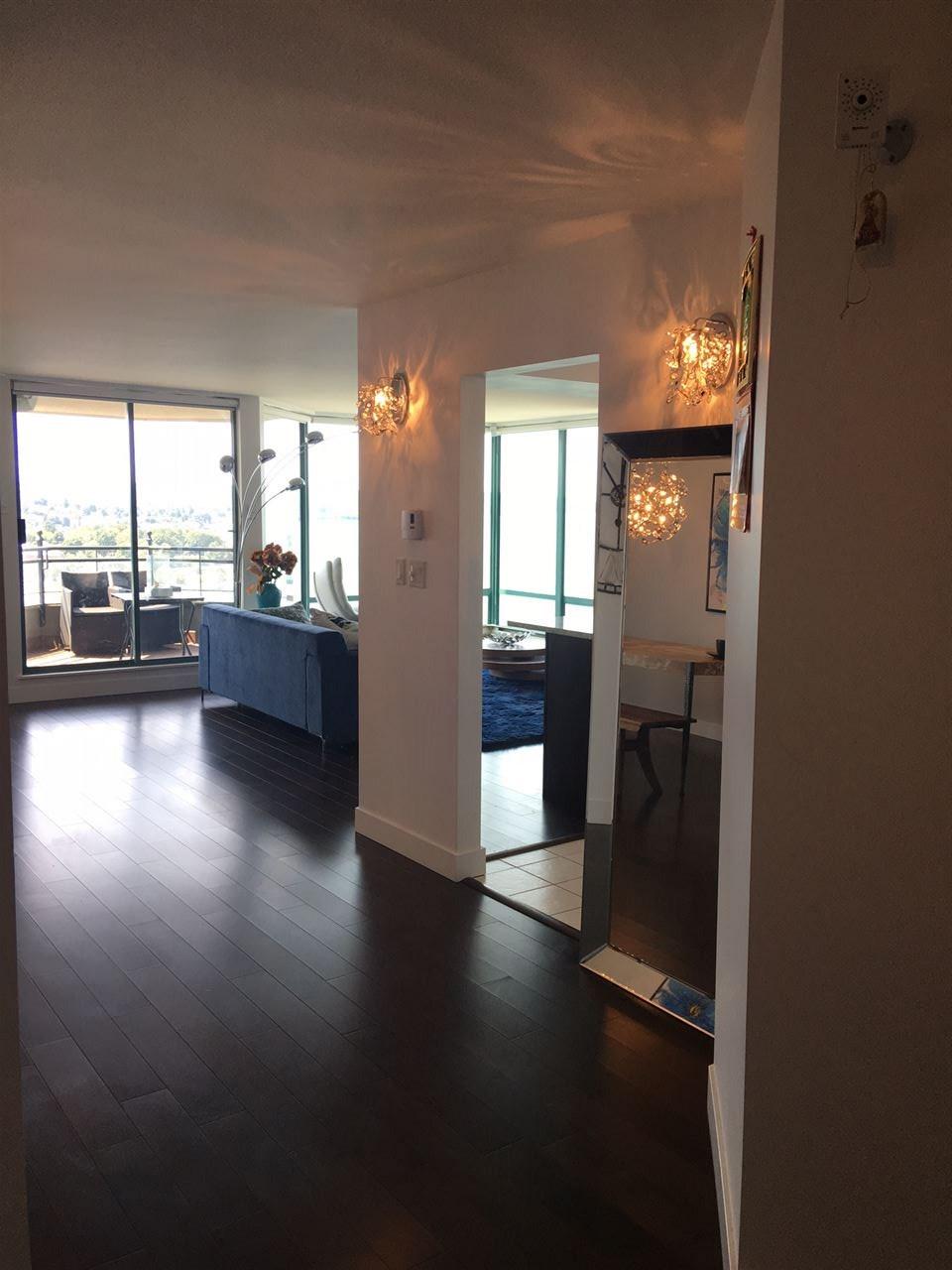 Condo Apartment at 1702 1311 BEACH AVENUE, Unit 1702, Vancouver West, British Columbia. Image 6