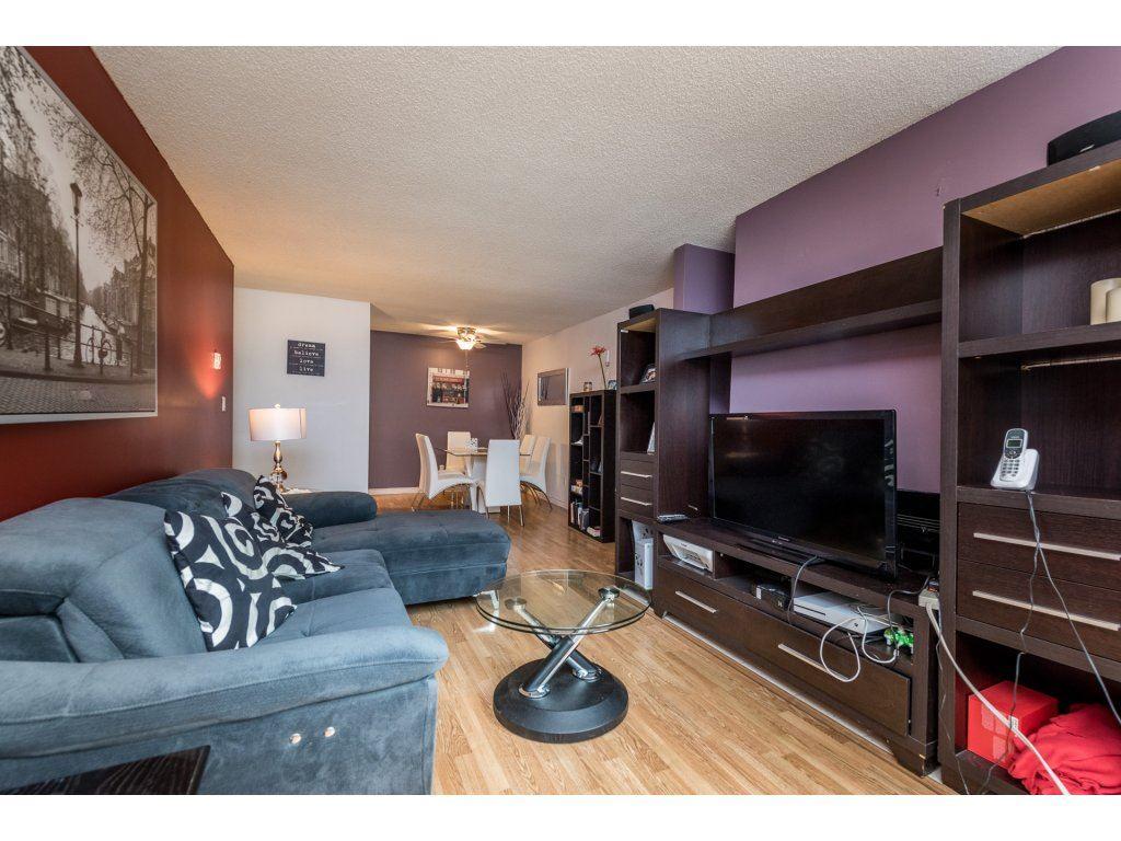 Condo Apartment at 412 9890 MANCHESTER DRIVE, Unit 412, Burnaby North, British Columbia. Image 5