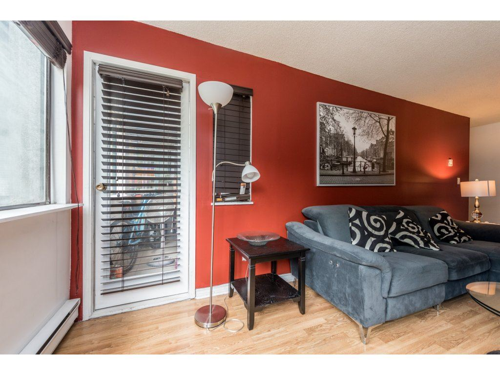 Condo Apartment at 412 9890 MANCHESTER DRIVE, Unit 412, Burnaby North, British Columbia. Image 10