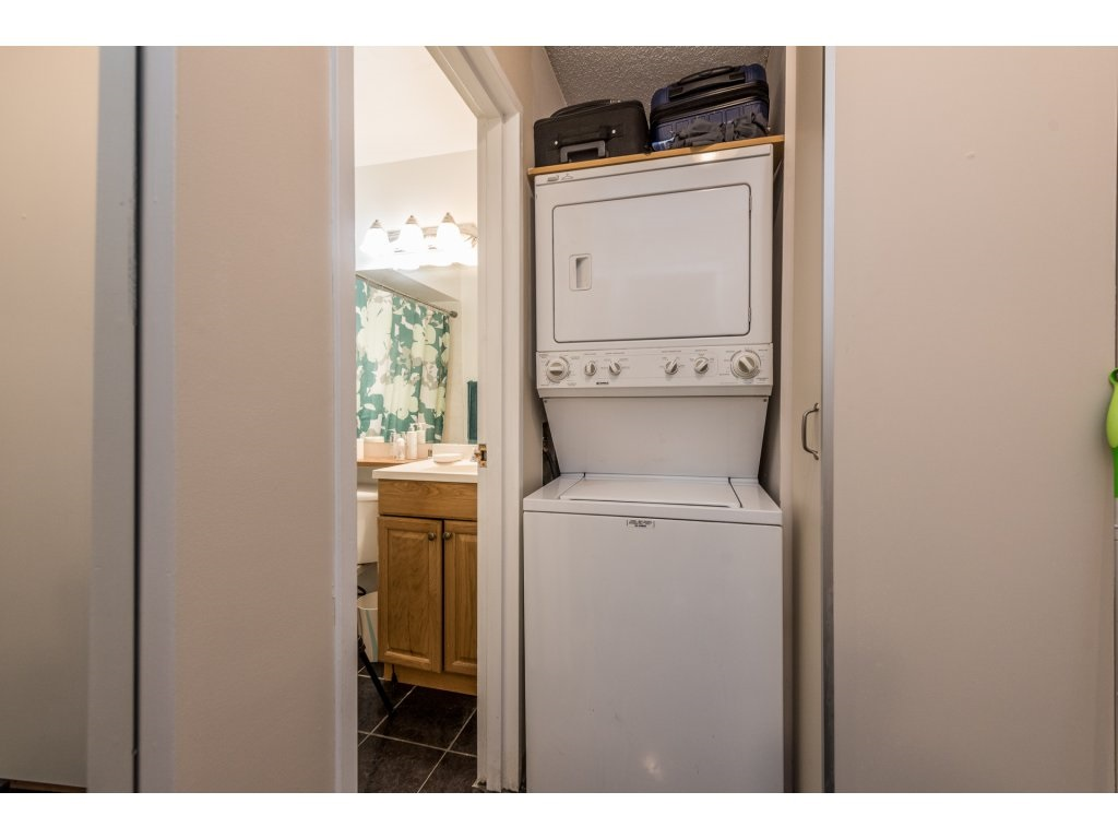 Condo Apartment at 412 9890 MANCHESTER DRIVE, Unit 412, Burnaby North, British Columbia. Image 16