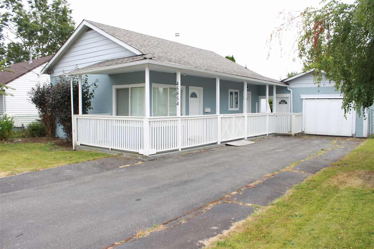Detached at 45854 HENLEY AVENUE, Chilliwack, British Columbia. Image 1