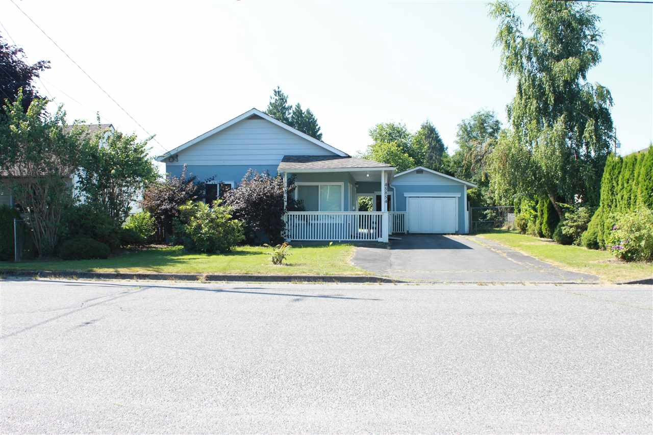 Detached at 45854 HENLEY AVENUE, Chilliwack, British Columbia. Image 7
