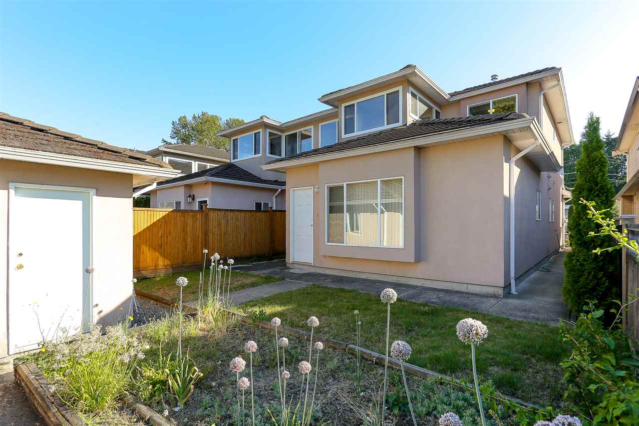 Half-duplex at 7030 RAMSAY AVENUE, Burnaby South, British Columbia. Image 19