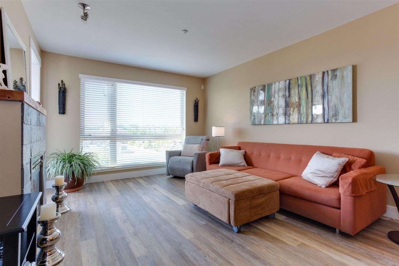 Condo Apartment at 307 1315 56 STREET, Unit 307, Tsawwassen, British Columbia. Image 2