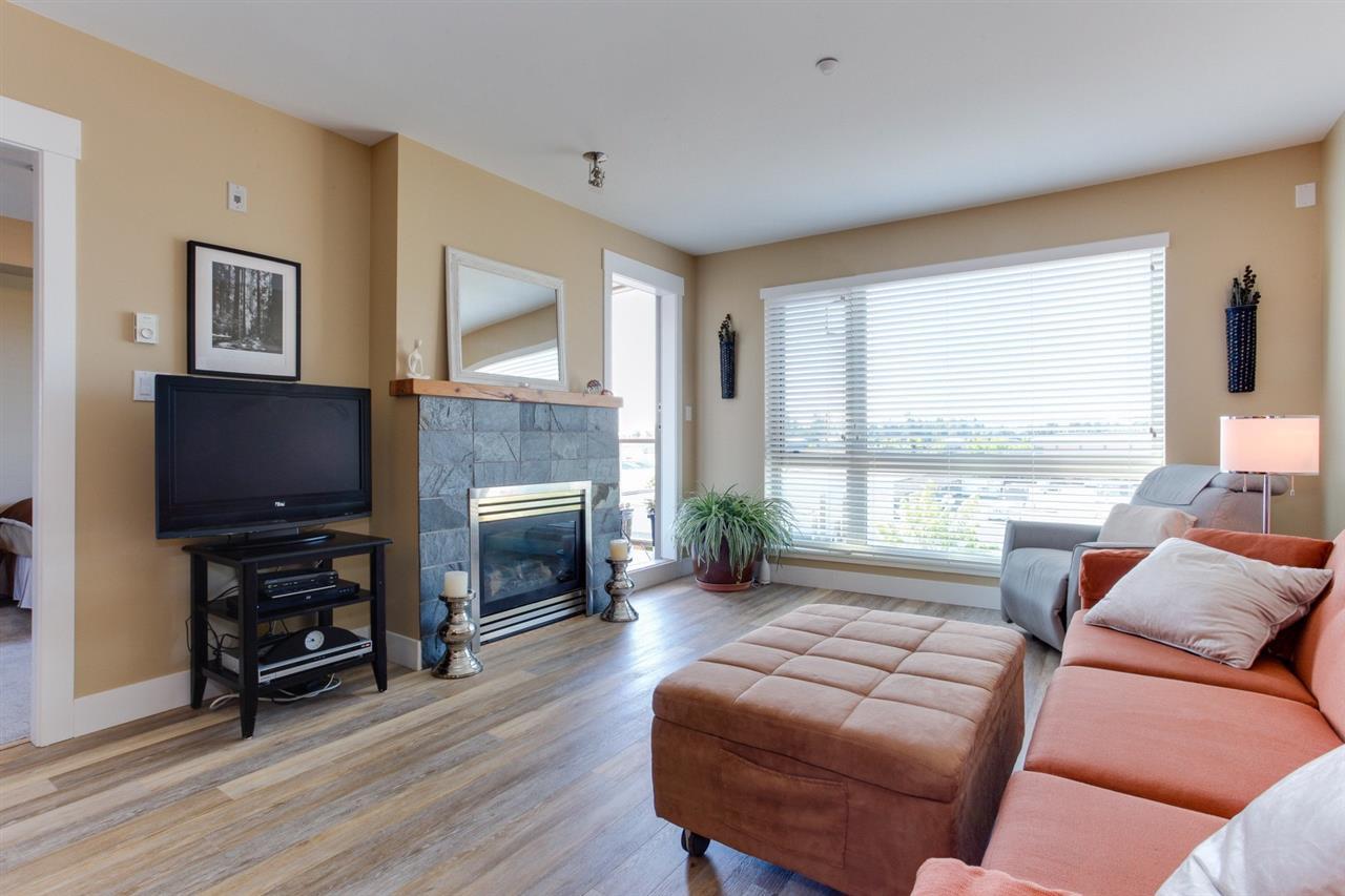 Condo Apartment at 307 1315 56 STREET, Unit 307, Tsawwassen, British Columbia. Image 3