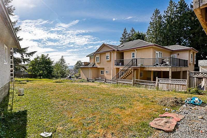 Detached at 10237 123A STREET, North Surrey, British Columbia. Image 15