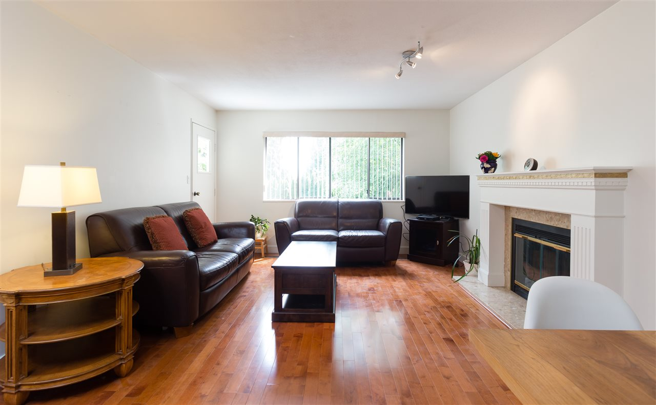 Detached at 696 W 29TH STREET, North Vancouver, British Columbia. Image 2