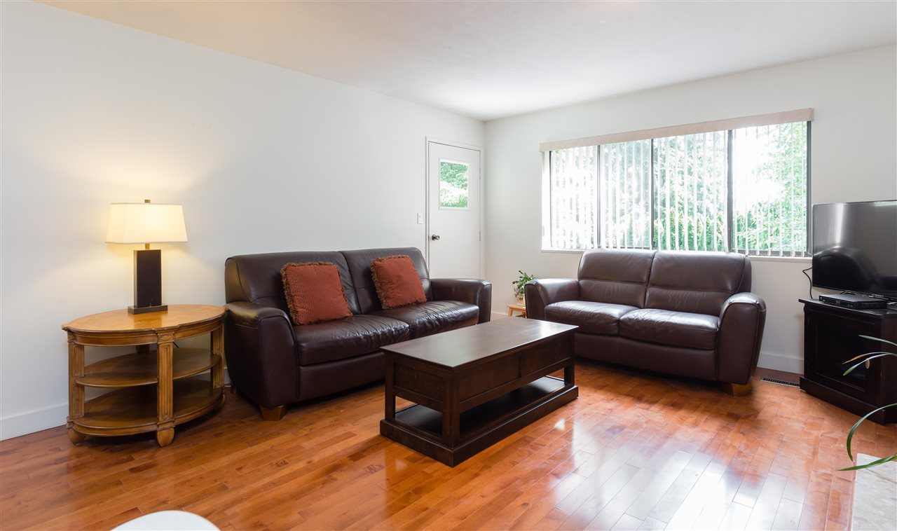Detached at 696 W 29TH STREET, North Vancouver, British Columbia. Image 3