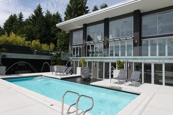 Detached at 4216 ROCKRIDGE CRESCENT, West Vancouver, British Columbia. Image 5