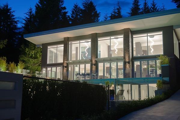 Detached at 4216 ROCKRIDGE CRESCENT, West Vancouver, British Columbia. Image 19