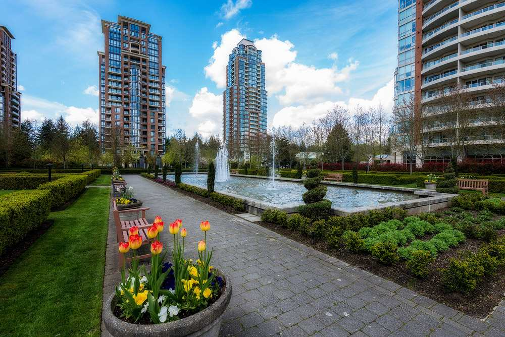 Condo Apartment at 2104 7388 SANDBORNE AVENUE, Unit 2104, Burnaby South, British Columbia. Image 8