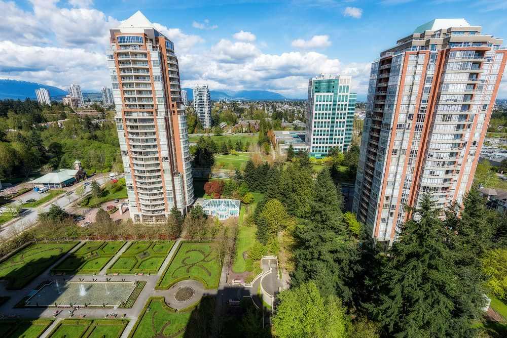 Condo Apartment at 2104 7388 SANDBORNE AVENUE, Unit 2104, Burnaby South, British Columbia. Image 11