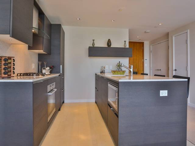 Condo Apartment at 1203 5171 BRIGHOUSE WAY, Unit 1203, Richmond, British Columbia. Image 18