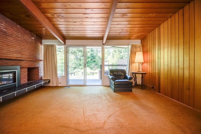 Detached at 4915 BEACON LANE, West Vancouver, British Columbia. Image 3