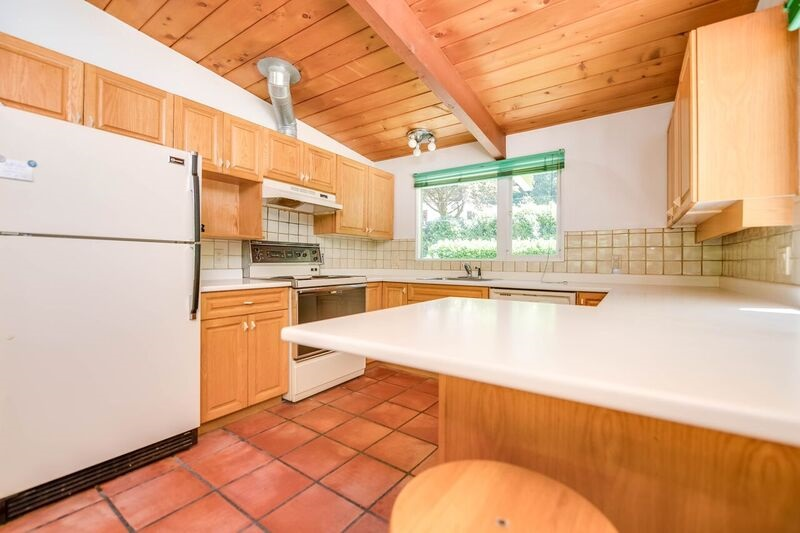 Detached at 4915 BEACON LANE, West Vancouver, British Columbia. Image 8