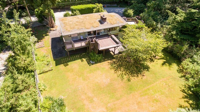 Detached at 4915 BEACON LANE, West Vancouver, British Columbia. Image 11