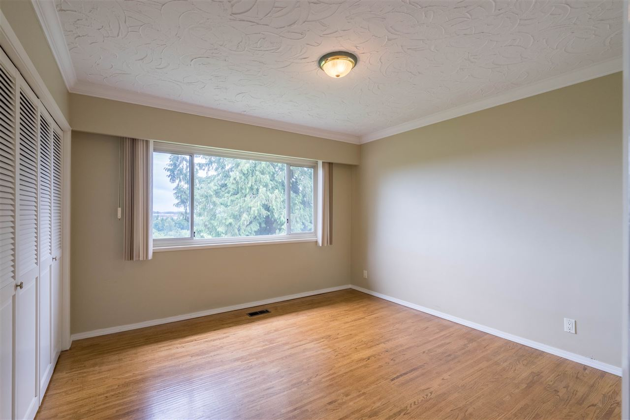 Detached at 5280 KEITH STREET, Burnaby South, British Columbia. Image 7