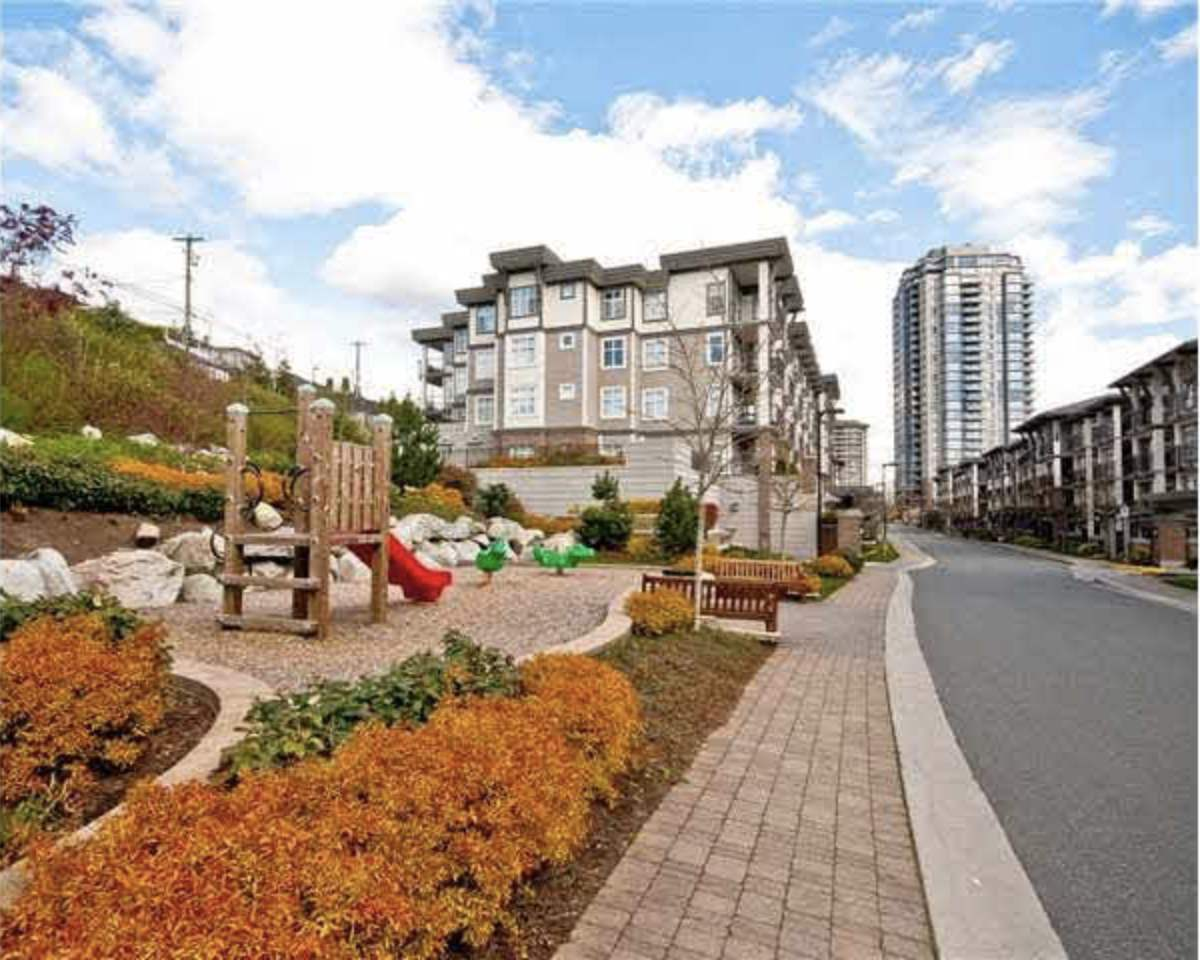 Condo Apartment at 209 4788 BRENTWOOD DRIVE, Unit 209, Burnaby North, British Columbia. Image 4
