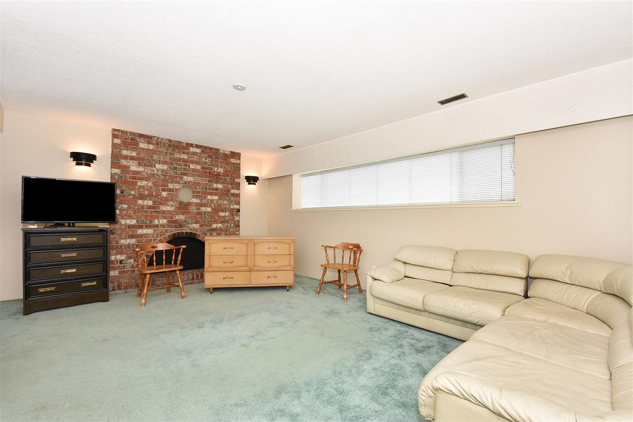 Detached at 1735 FELL AVENUE, Burnaby North, British Columbia. Image 15