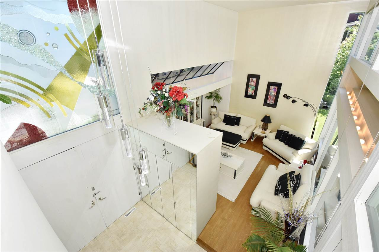 Detached at 6363 BUCKINGHAM DRIVE, Burnaby South, British Columbia. Image 2