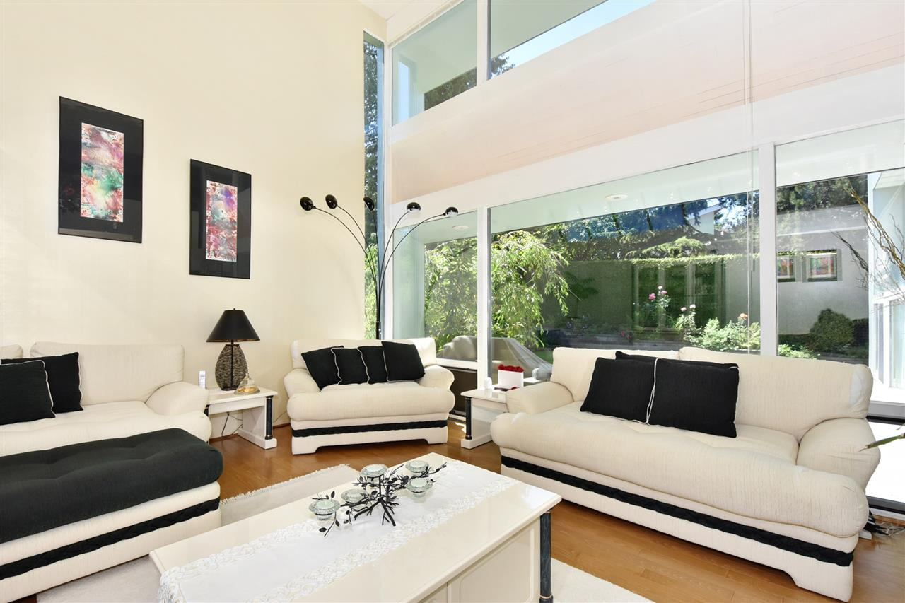 Detached at 6363 BUCKINGHAM DRIVE, Burnaby South, British Columbia. Image 3