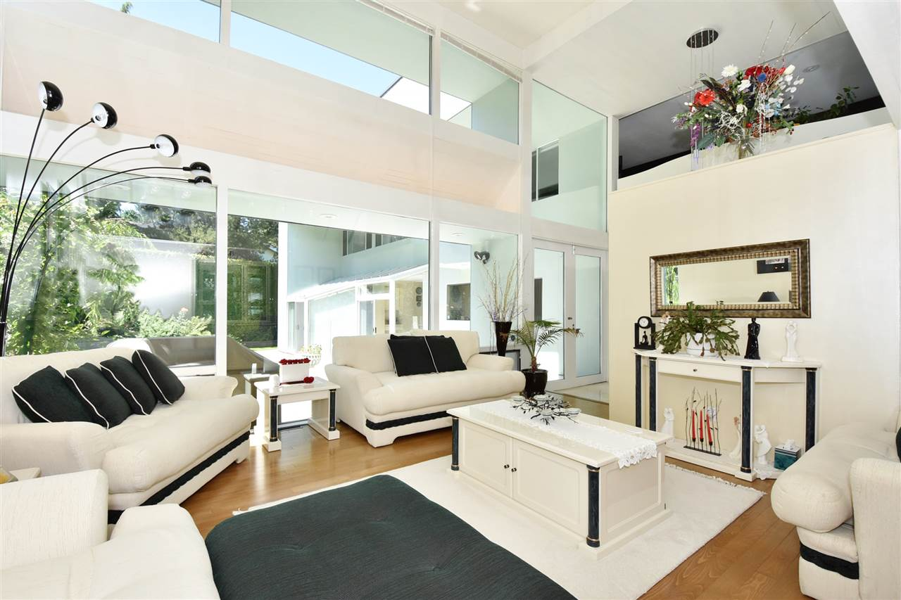 Detached at 6363 BUCKINGHAM DRIVE, Burnaby South, British Columbia. Image 5