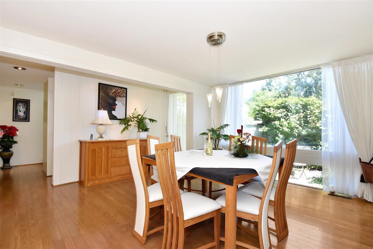 Detached at 6363 BUCKINGHAM DRIVE, Burnaby South, British Columbia. Image 7