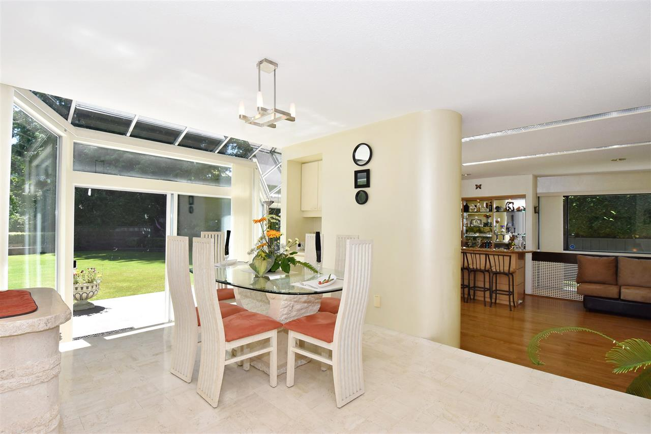 Detached at 6363 BUCKINGHAM DRIVE, Burnaby South, British Columbia. Image 11