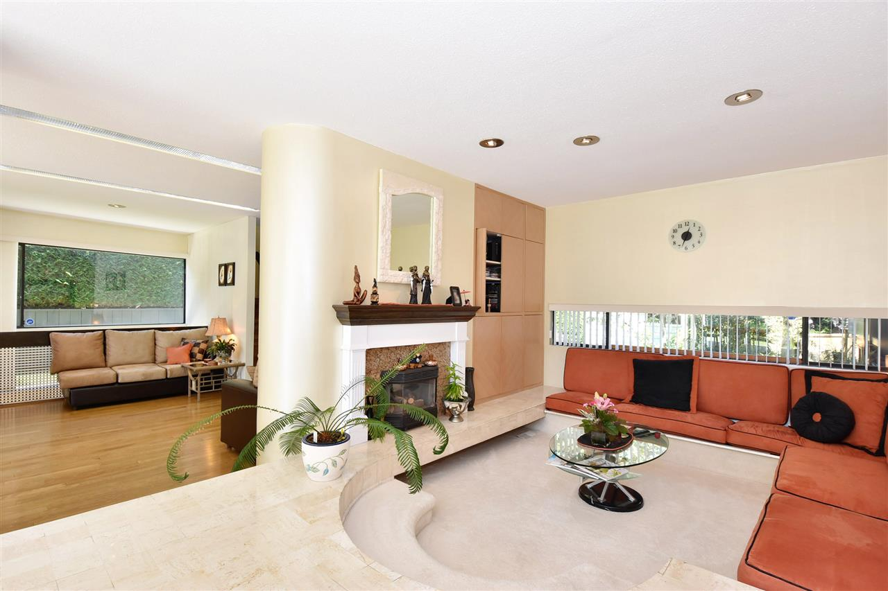 Detached at 6363 BUCKINGHAM DRIVE, Burnaby South, British Columbia. Image 12