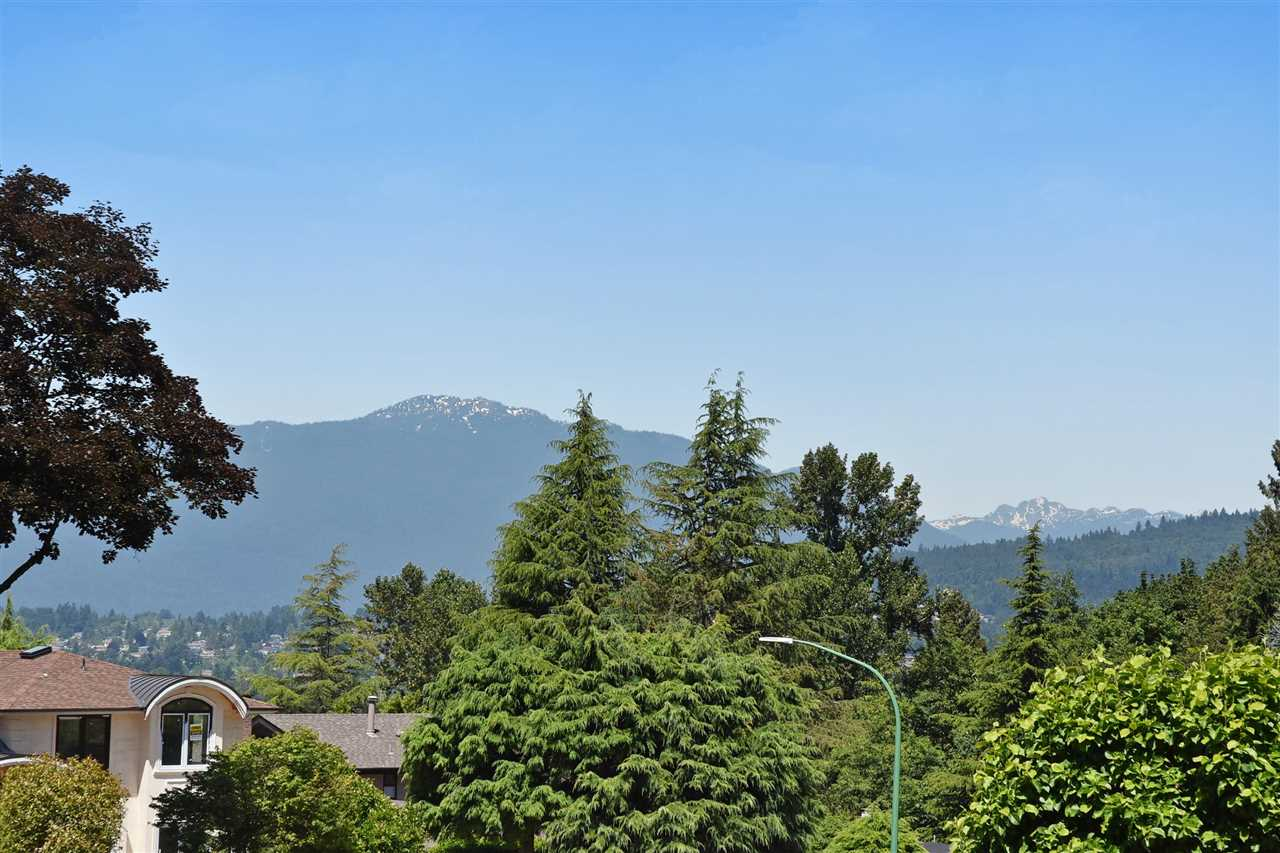 Detached at 6363 BUCKINGHAM DRIVE, Burnaby South, British Columbia. Image 17