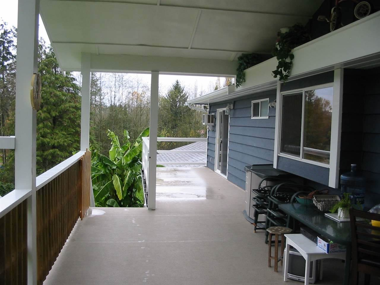 Detached at 16986 94A AVENUE, Surrey, British Columbia. Image 17