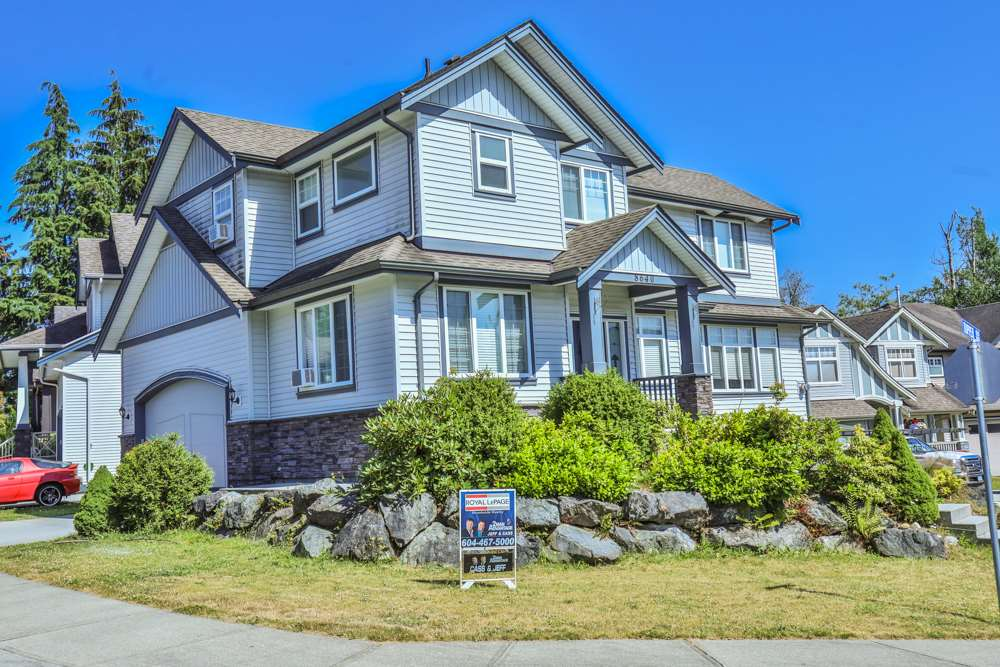 Detached at 8640 TUPPER BOULEVARD, Mission, British Columbia. Image 1