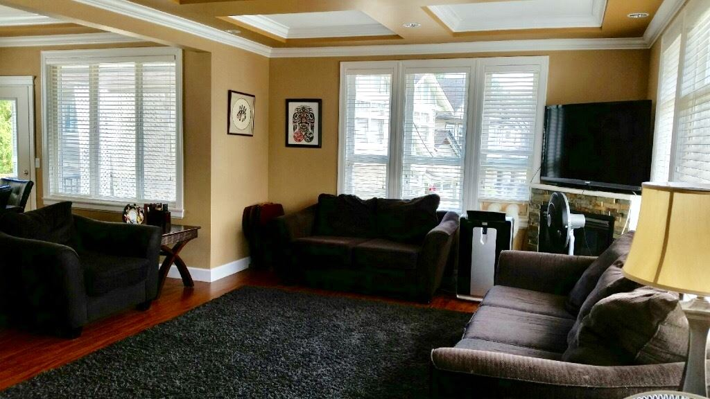 Detached at 8640 TUPPER BOULEVARD, Mission, British Columbia. Image 7