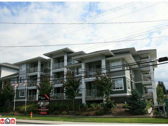 Condo Apartment at 215 46262 FIRST AVENUE, Unit 215, Chilliwack, British Columbia. Image 1