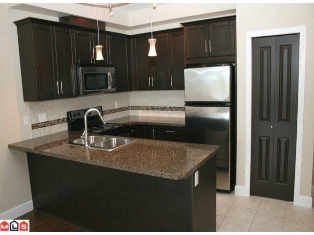 Condo Apartment at 215 46262 FIRST AVENUE, Unit 215, Chilliwack, British Columbia. Image 2