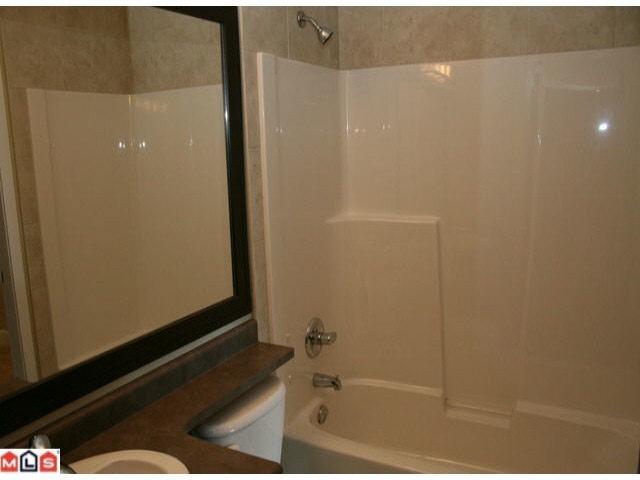 Condo Apartment at 215 46262 FIRST AVENUE, Unit 215, Chilliwack, British Columbia. Image 7