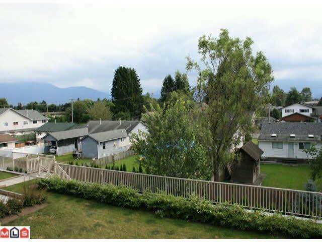 Condo Apartment at 215 46262 FIRST AVENUE, Unit 215, Chilliwack, British Columbia. Image 9