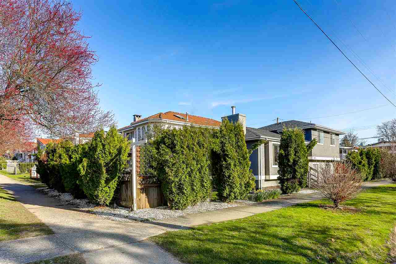 Detached at 5540 WINDSOR STREET, Vancouver East, British Columbia. Image 3