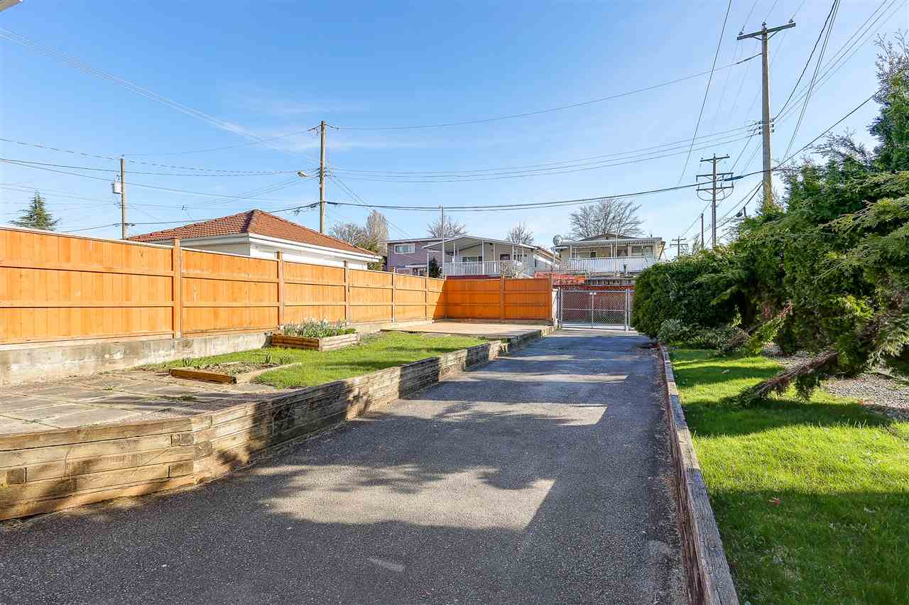 Detached at 5540 WINDSOR STREET, Vancouver East, British Columbia. Image 15