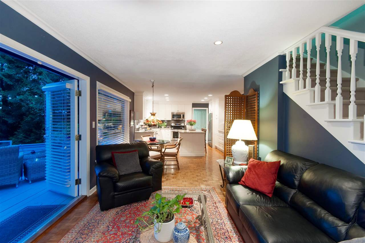 Detached at 4740 RUTLAND ROAD, West Vancouver, British Columbia. Image 12