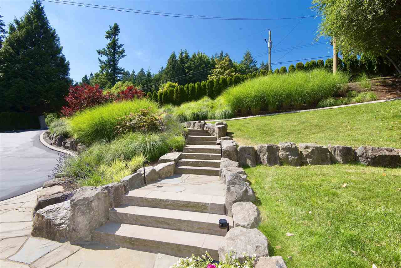 Detached at 4740 RUTLAND ROAD, West Vancouver, British Columbia. Image 19