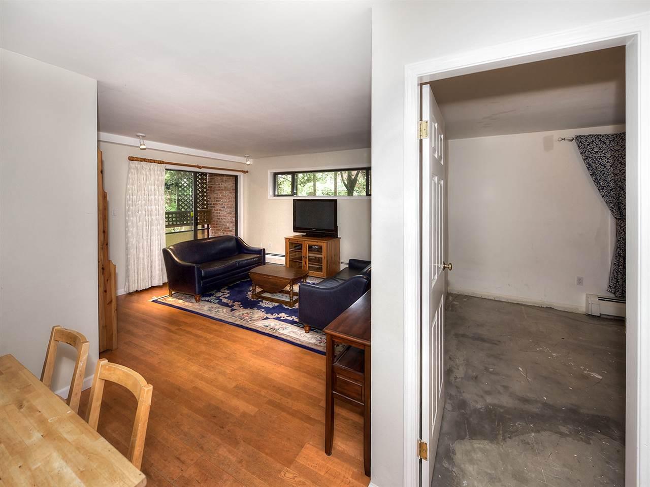 Condo Apartment at 205 2320 W 40TH AVENUE, Unit 205, Vancouver West, British Columbia. Image 12