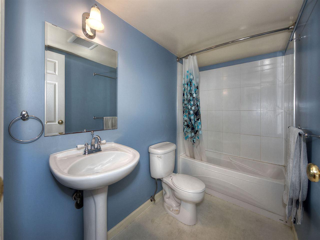 Condo Apartment at 205 2320 W 40TH AVENUE, Unit 205, Vancouver West, British Columbia. Image 13