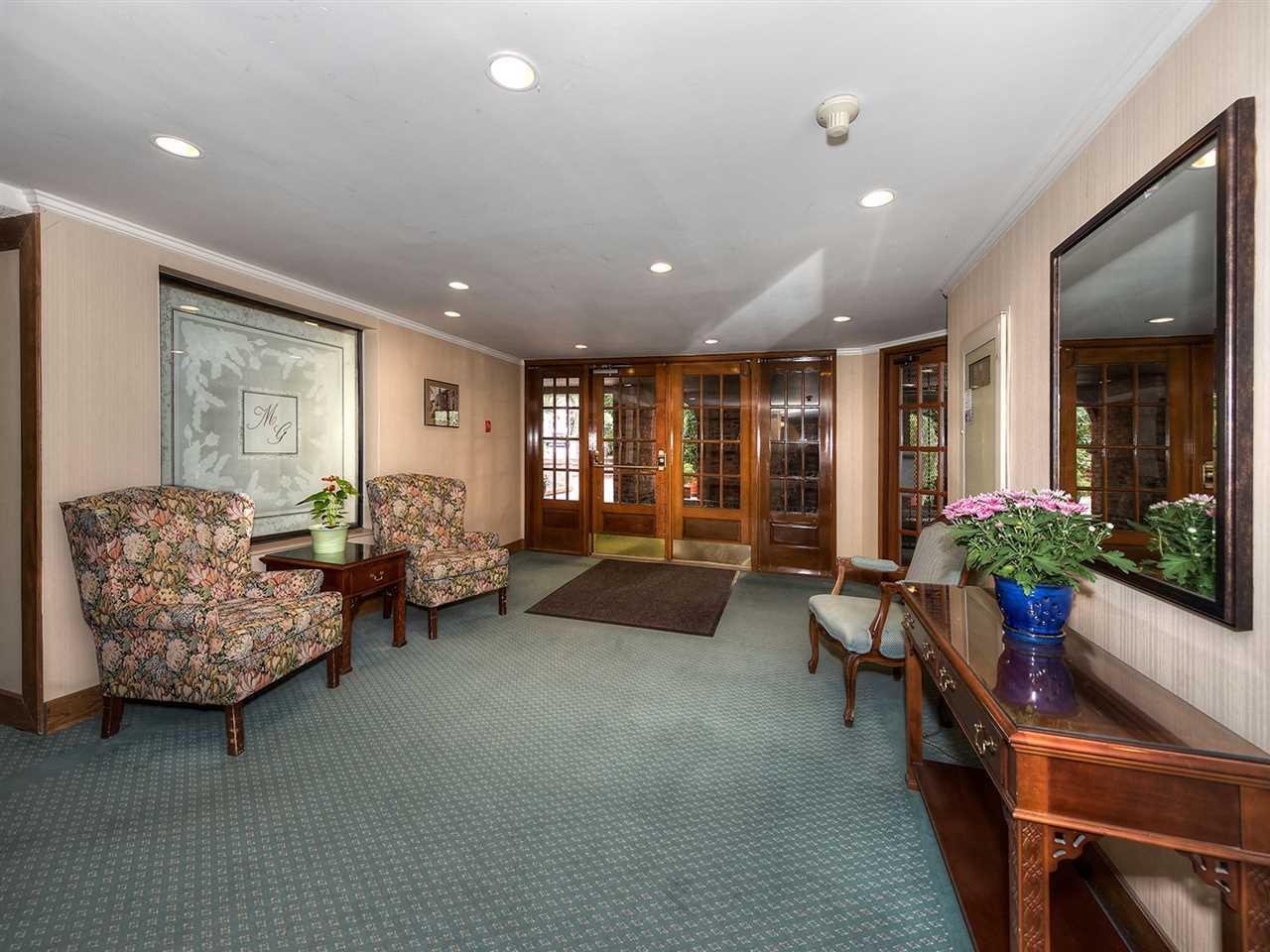 Condo Apartment at 205 2320 W 40TH AVENUE, Unit 205, Vancouver West, British Columbia. Image 14