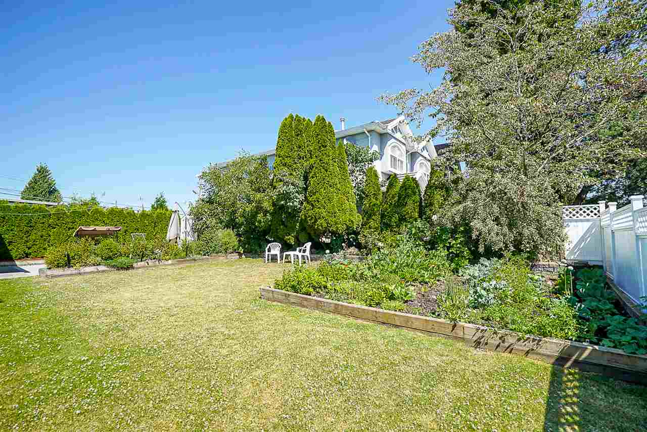 Detached at 5485 CULLODEN STREET, Vancouver East, British Columbia. Image 20